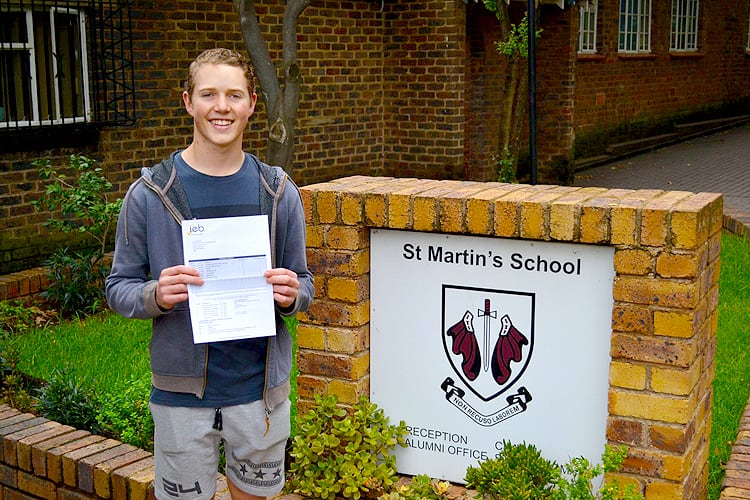 st-martins-school-matric-results-2018-students-receiving-results-2